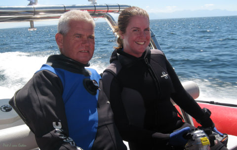 Clare and Tony riding on the Blue Flash boat, picture by Peet van Eeden