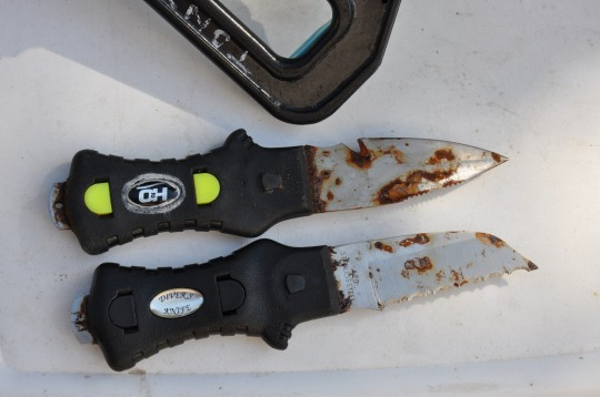 Rusty dive knives