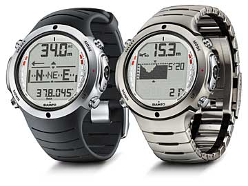 Suunto D6 with elastomer strap (right) and titanium strap (left)
