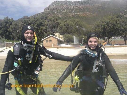 Rutger and Kelly starting a dive at Long Beach