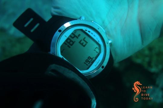 The D6 in gauge mode