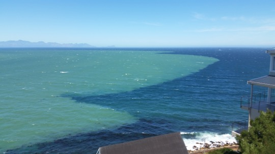 Colour fronts in False Bay